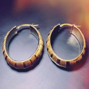 Vintage 14K Yellow Gold Hollow Puff Hoop Earrings